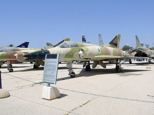 Israel warplanes (illustrative) reportedly struck two weapons storage sites in Syria on Sunday. Credit: Wikimedia Commons.