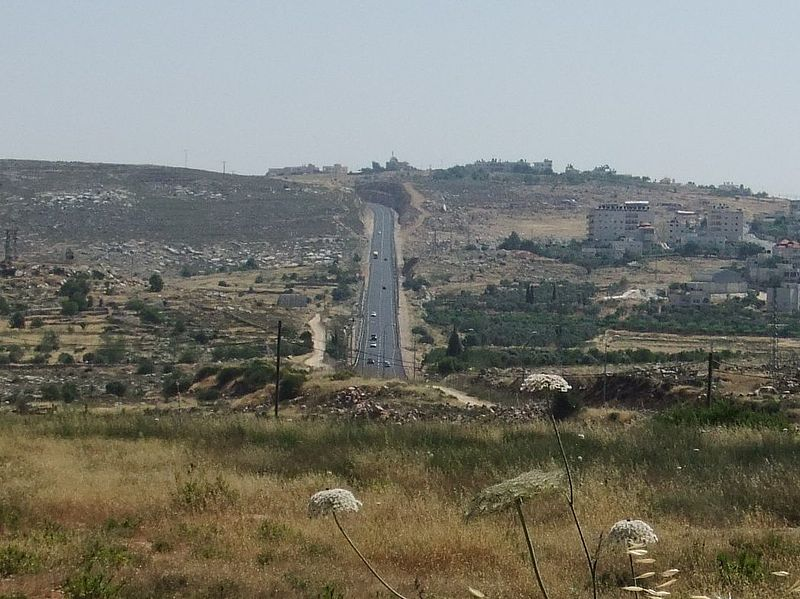 Highway 60 in Judea and Samaria. Credit: Wikimedia Commons.