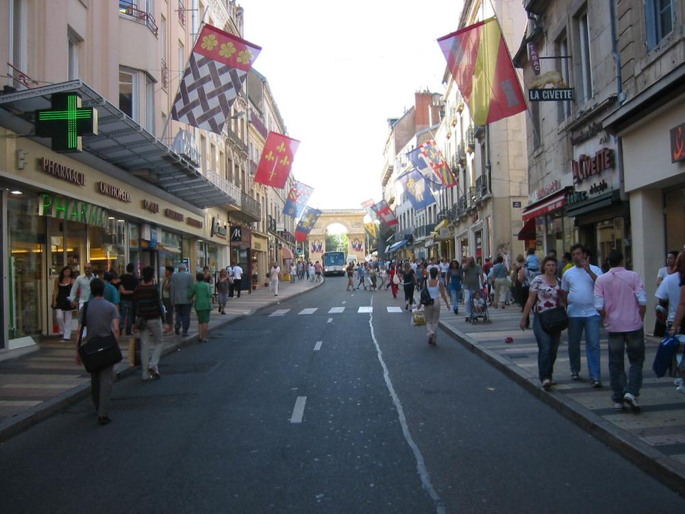 Rue de le Liberté, Dijon, France. Credit: Wikimedia Commons.