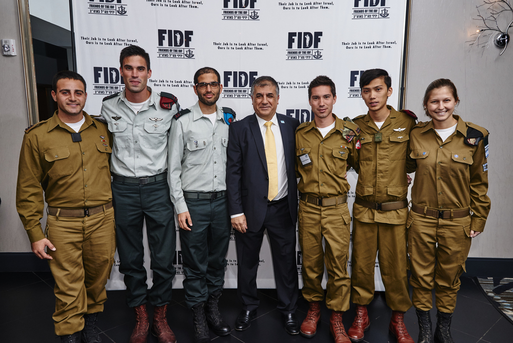 Click photo to download. Caption: Friends of the Israel Defense Forces (FIDF) National Executive Director Maj. Gen. (Res.) Meir Klifi-Amir (in center) with IDF soldiers at the recent FIDF Pennsylvania and Southern New Jersey Chapter Gala in Philadelphia. Credit: Master Studio Photography.