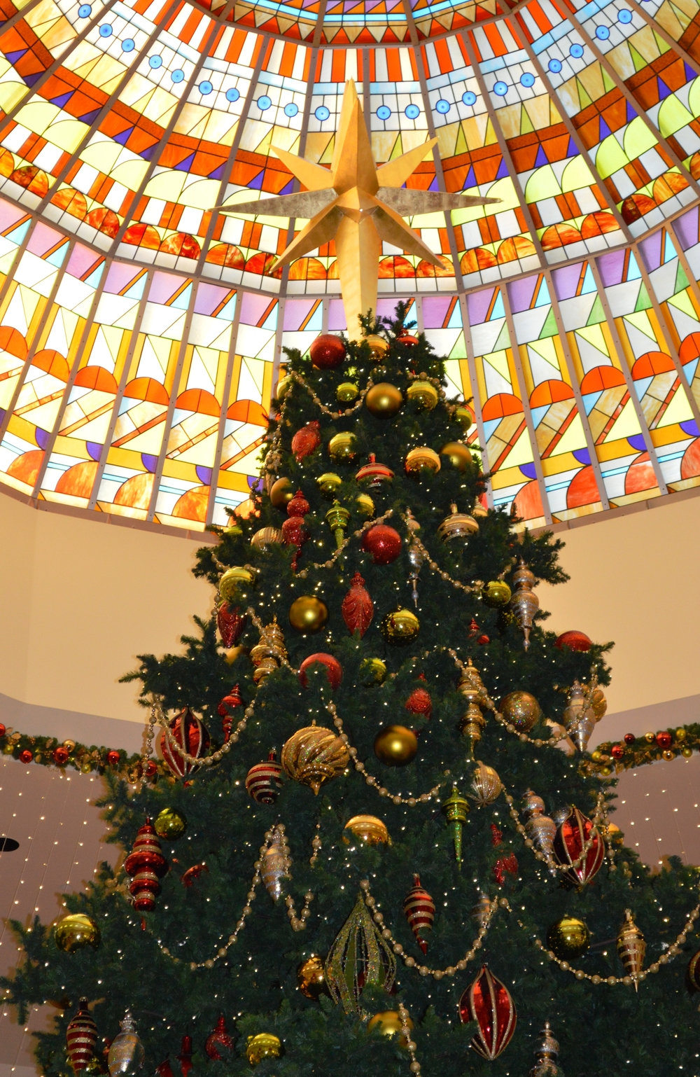 The Israeli Chief Rabbinate removed a ban on Christmas trees in Israeli hotels. (Illustrative.) Credit: Wikimedia Commons.