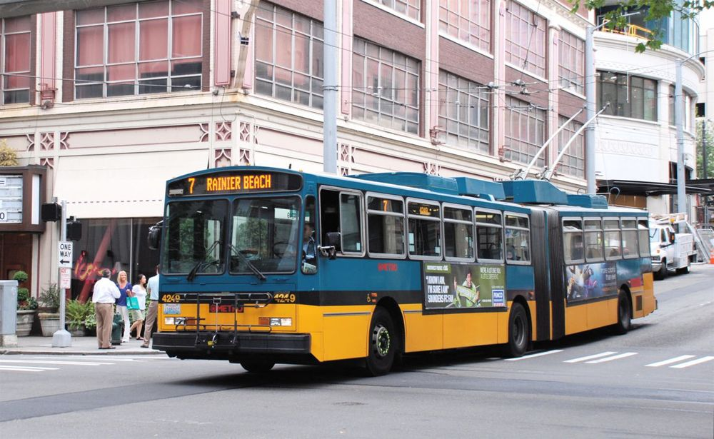 A bus in Seattle. Credit: Wikimedia Commons.