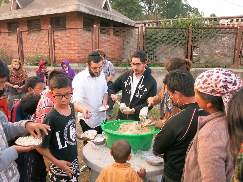 Chabad of Nepal feeds Nepalis in need following the devastating earthquake in that country. Credit: Chabad.org/Chabad of Nepal.