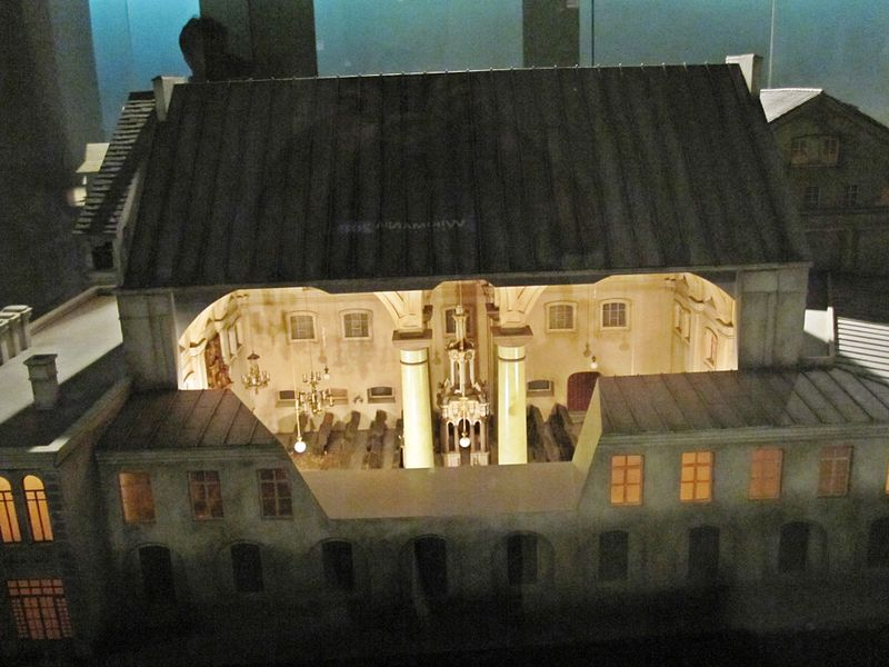 A model of the Great Synagogue of Vilna at the Diaspora Museum in Tel Aviv. Credit: Wikimedia Commons.