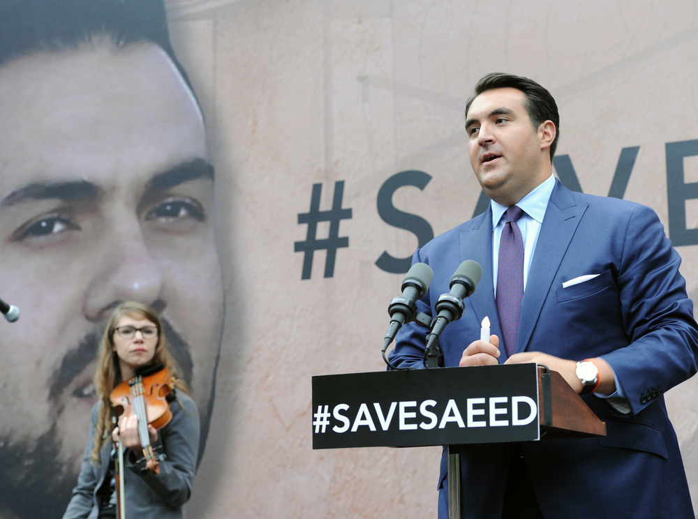 Click photo to download. Caption: Jordan Sekulow, executive director of the American Center for Law and Justice, speaks to a crowd gathered outside the White House on Sept. 25, 2014, to pray for the release of Pastor Saeed Abedini from prison in Iran. Credit: American Center for Law and Justice.