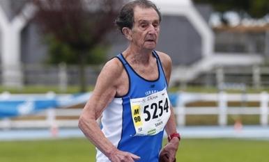 Israeli long-distance runnerSemion Simkin, 91. Credit: Israel Hayom.