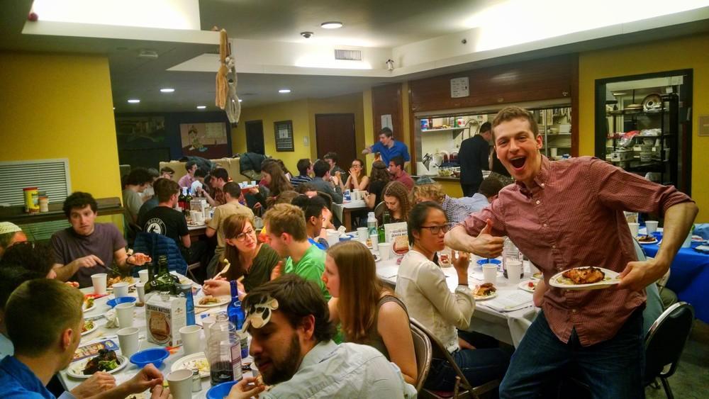 AEPi students are Carnegie Mellon celebrate Passover. Credit: AEPi.