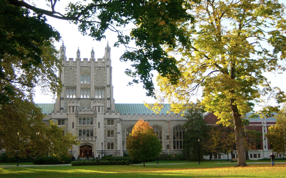 Click photo to download. Caption: Thompson Library at Vassar College. Credit: Noteremote via Wikimedia Commons.