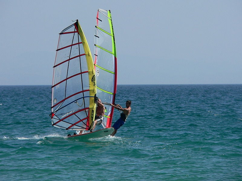 Windsurfing (illustrative). Credit: Manuel Gonzalez Olaechea via Wikimedia Commons.