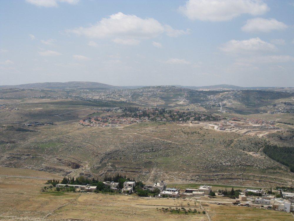A view of Tekoa. Credit: Wikimedia Commons.