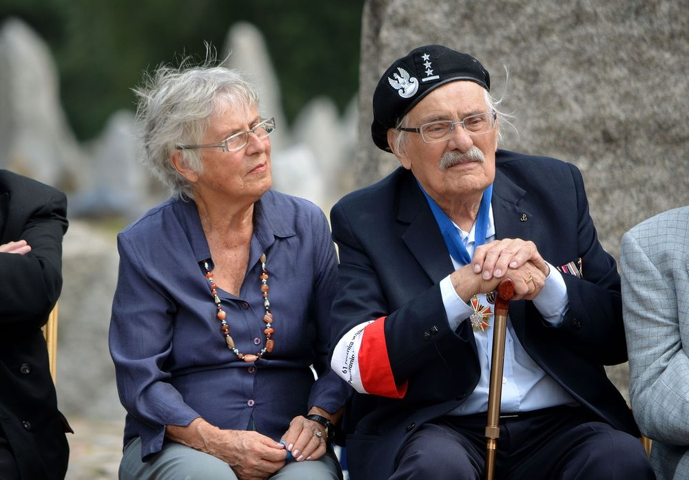 Samuel and Ada Willenberg at the Treblinka death camp's former site, commemorating the 70th anniversary of the camp's revolt. Credit: Adrian Grycuk via Wikimedia Commons.
