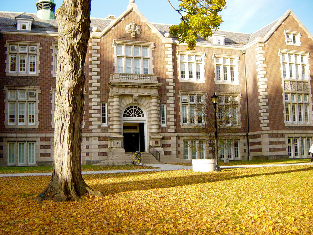 Click photo to download. Caption: Rockefeller Hall at Vassar College in Poughkeepsie, N.Y. Credit: Noteremote via Wikimedia Commons.