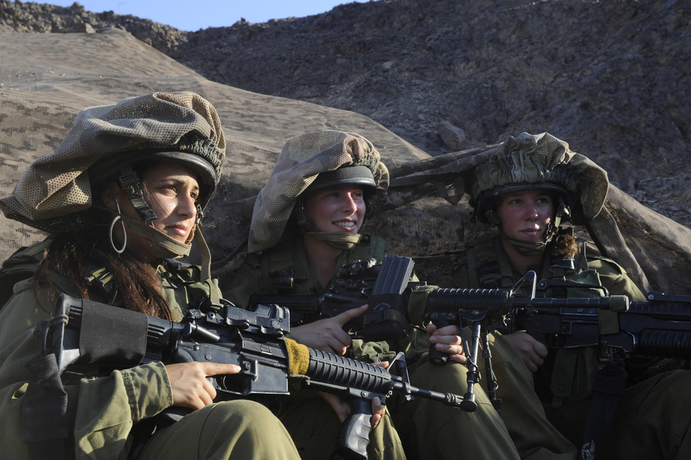 "Female combat soldiers of the field intelligence company ""Nachshol"" stationed along the southern Israeli border. Credit: IDF via Wikimedia Commons."