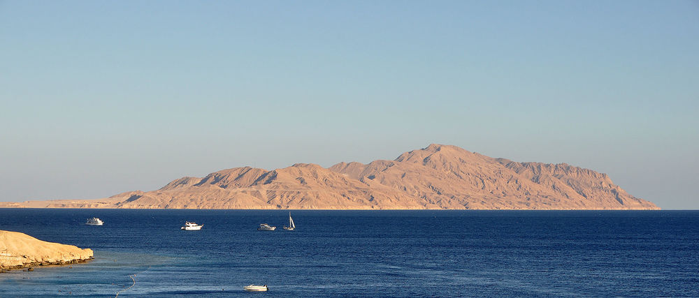 The Straits of Tiran and Tiran island. Credit: Wikimedia Commons.