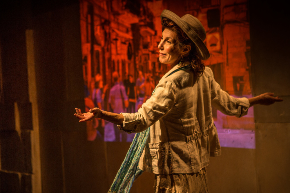 "Click photo to download. Caption: Lisa Robins plays Israeli-American author Sherri Mandell in the Los Angeles Jewish Women's Theatre's ""The Blessing of a Broken Heart,"" which is based on Mandell's first book. Credit: Zachary Andrews."