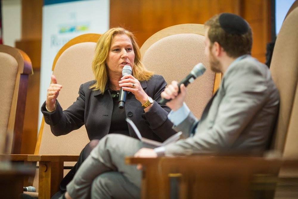 Click photo to download. Caption: Member of Knesset Tzipi Livni (at left) in conversation with The Algemeiner Editor-in-Chief Dovid Efune at the Ruderman Family Foundation's April 13 town hall event in Newton, Mass. Credit: Ruderman Family Foundation.