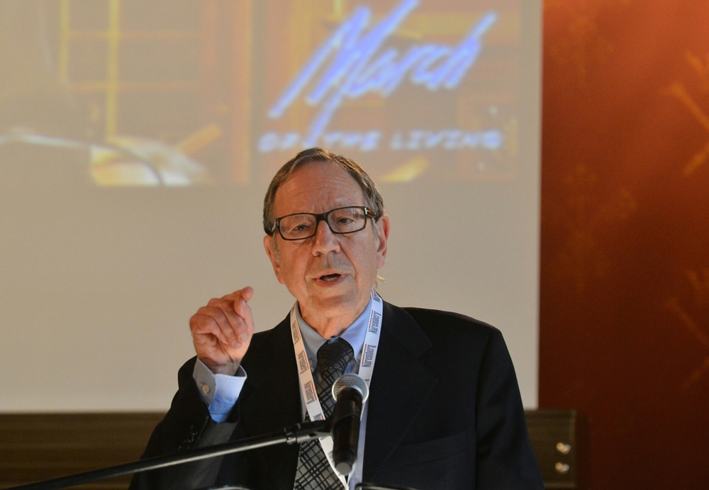 "Click photo to download. Caption: Former Canadian justice minister and attorney general Irwin Cotler speaks at ""The Double Entendre of Nuremberg"" symposium on May 4 at Jagiellonian University in Kraków, Poland. Credit: Yossi Zeliger."