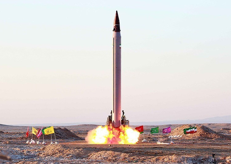 Iran testing its Emad ballistic missile in October 2015. Credit: Wikimedia Commons.