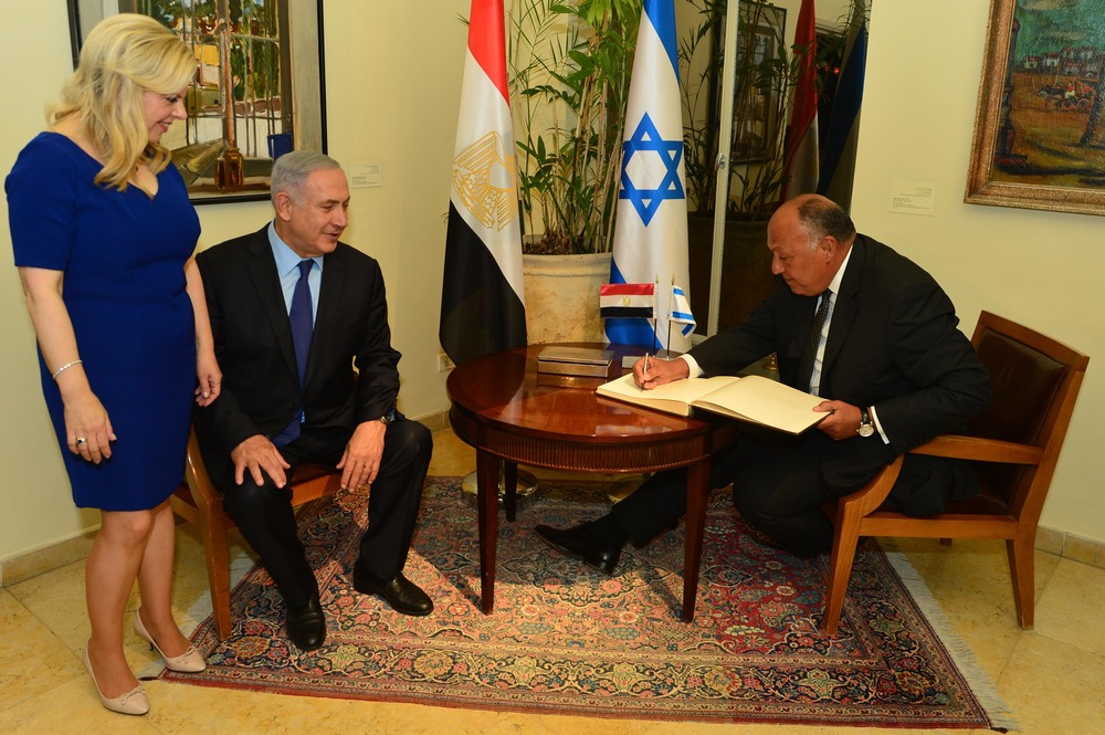 Egyptian Foreign Minister Sameh Shoukry (right) meets with Israeli Prime Minister Benjamin Netanyahu and Sara Netanyahu. Credit: Kobi Gideon/GPO.