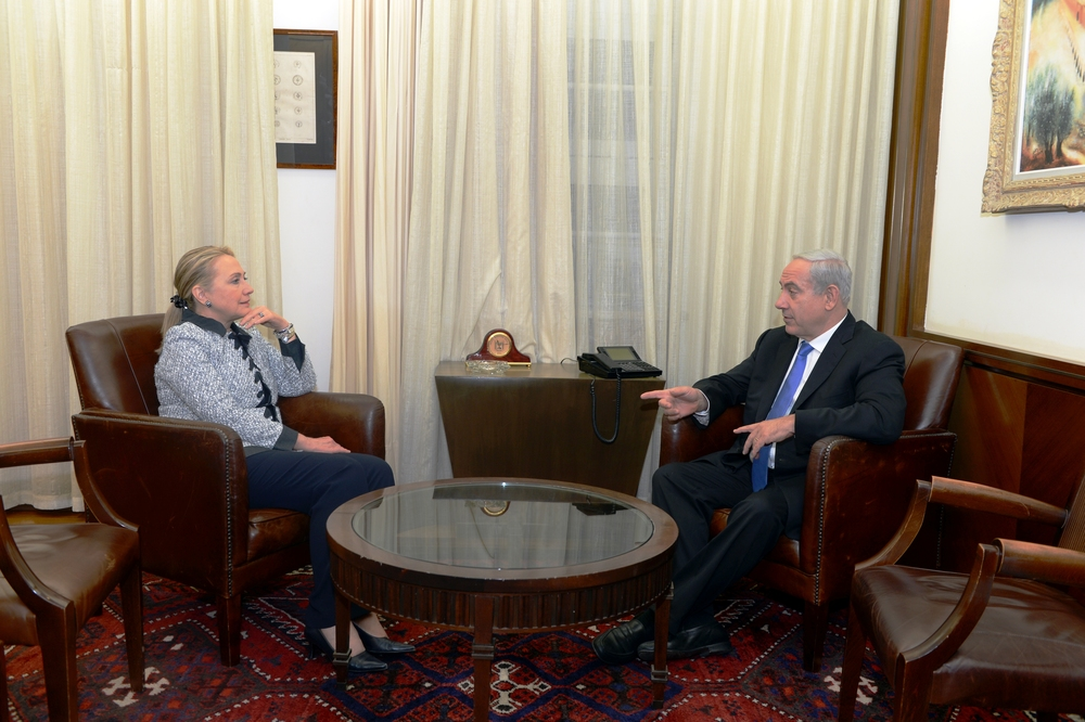 U.S. Secretary of State Hillary Rodham Clinton meets with Israeli Prime Minister Benjamin Netanyahu at the Prime Minister's office in Jerusalem, November 20, 2012. Credit: US Department of State via Wikimedia Commons.