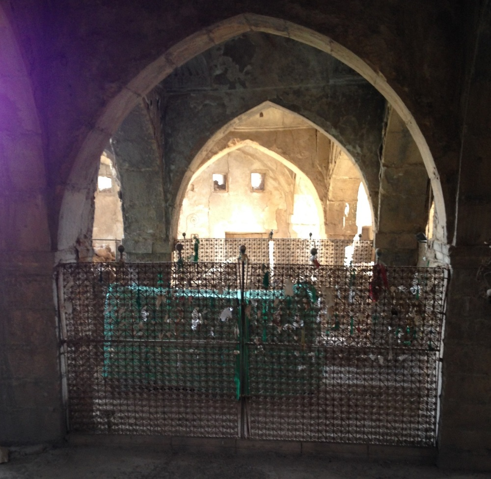The tomb of the Jewish Prophet Nahum in Al Qosh. Credit: Wikimedia Commons.