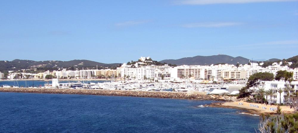 Port and town of Santa Eulària des Riu in Ibiza, Spain. Credit: Wikimedia Commons.