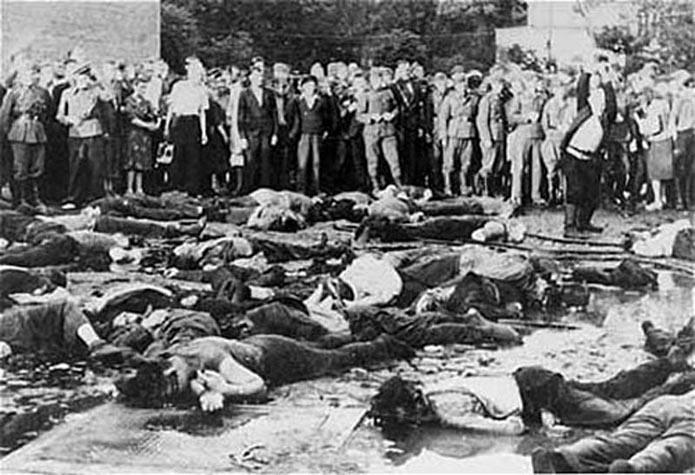 The massacre of 68 Jews in Kovno Ghetto in June 1941. Credit: Wikimedia Commons.