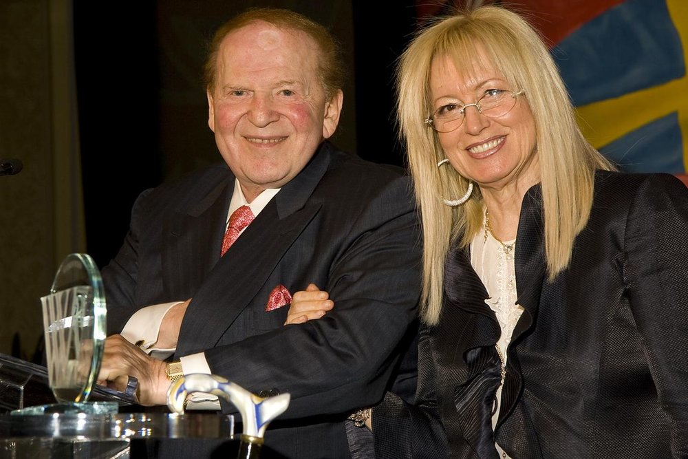 Sheldon and Miriam Adelson. Credit: Wikimedia Commons.