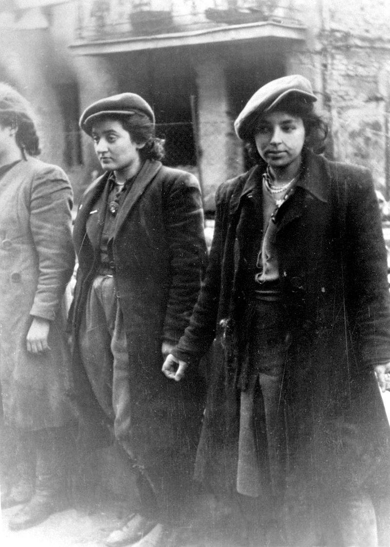 Jewish women resistance fighters captured by the Germans during the Warsaw Ghetto uprising, 1943. Credit: history images.blogspot.com.