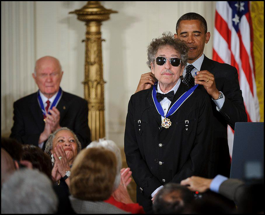 Bob Dylan receiving the Presidential Medal of Freedom in 2012. Credit: Wikimedia Commons.