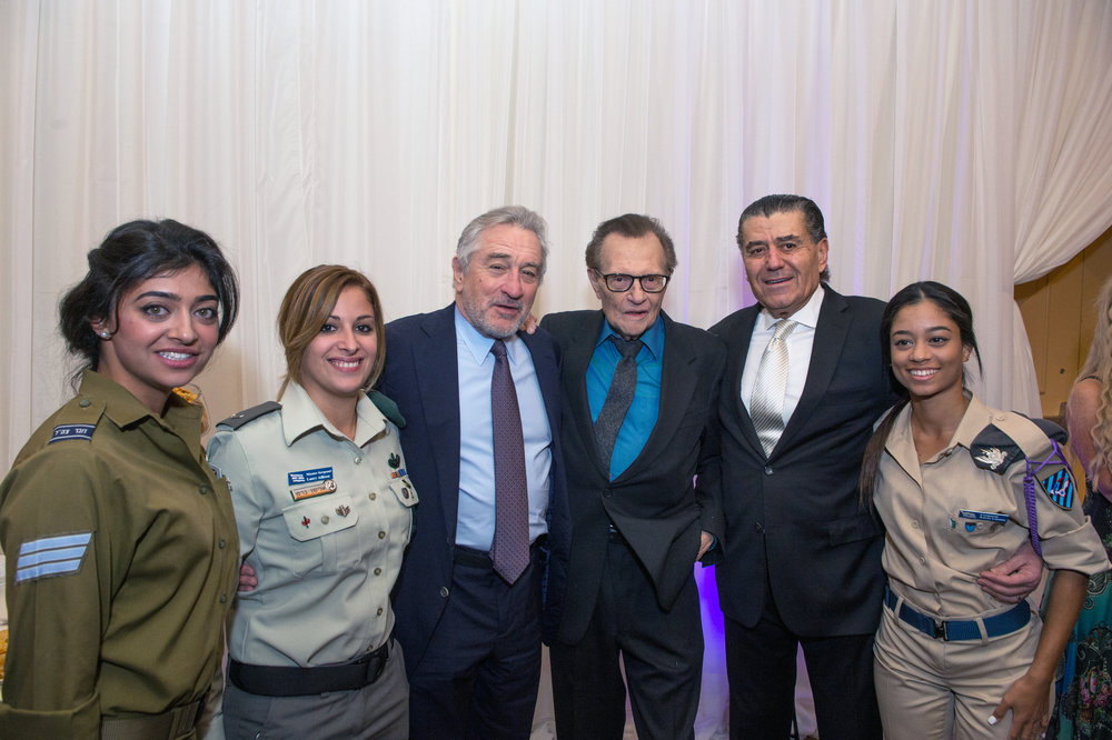 IDF Sgt. Sapir Isaschar; IDF Master Sgt. Allison Bressand; Robert DeNiro; Larry King; Haim Saban; and Israeli Air Force (IAF) Cpl. Lianne Eaves at Thursday's FIDF Western Region Gala. Credit: Alexi Rosenfeld/AJR Photography