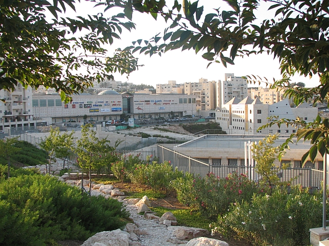 The Jerusalem neighborhood of Pisgat Ze'ev, where Palestinian terrorist Ahmed Manasra carried out a stabbing attack on two Israelis in 2015. Credit: Gila Brand via Wikimedia Commons.