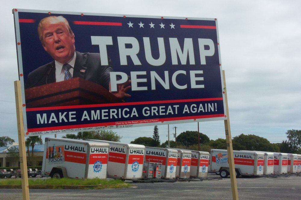 A Trump-Pence sign in Pasco County, Florida. Credit: Daniel Oines via Wikimedia Commons.
