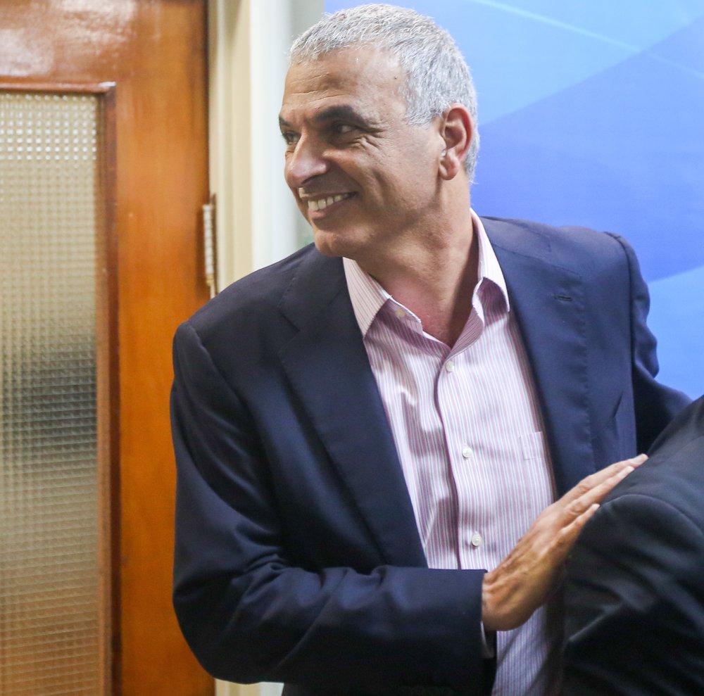 Israeli Minister of Finance Moshe Kahlon at the weekly cabinet meeting in Jerusalem Dec. 18, 2016. Credit: Marc Israel Sellem/Pool.