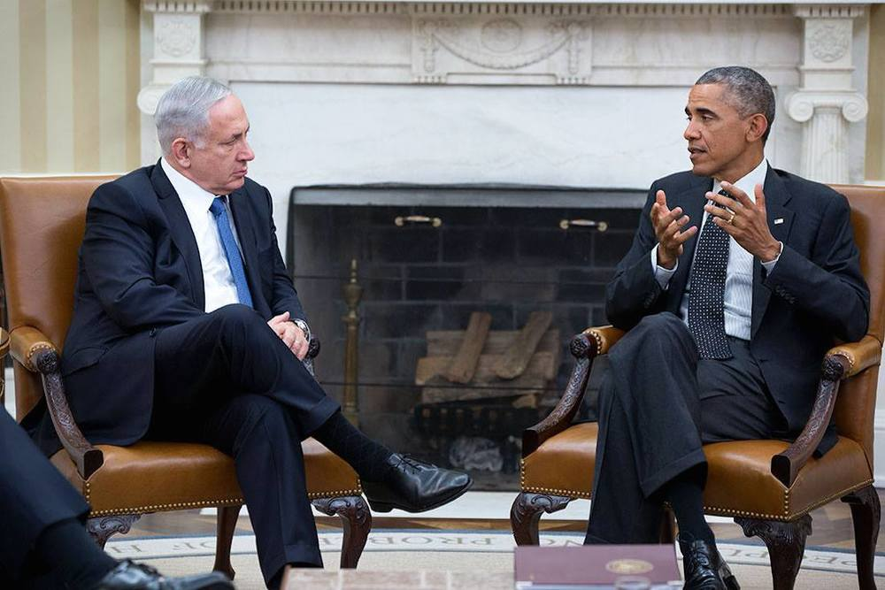 U.S. President Barack Obama (right) meets with Israeli Prime Minister Benjamin Netanyahu in the Oval Office Oct. 1, 2014. Credit: Official White House Photo by Pete Souza.