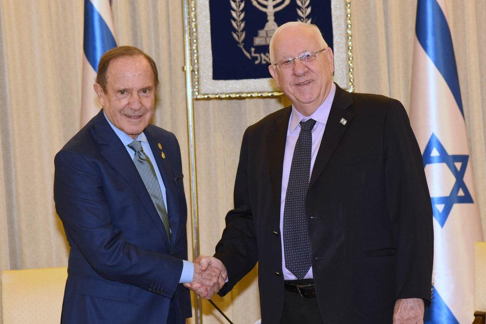 Mortimer Zuckerman (left) with Israeli President Reuven Rivlin in Jerusalem. Credit: Israel Hadari.
