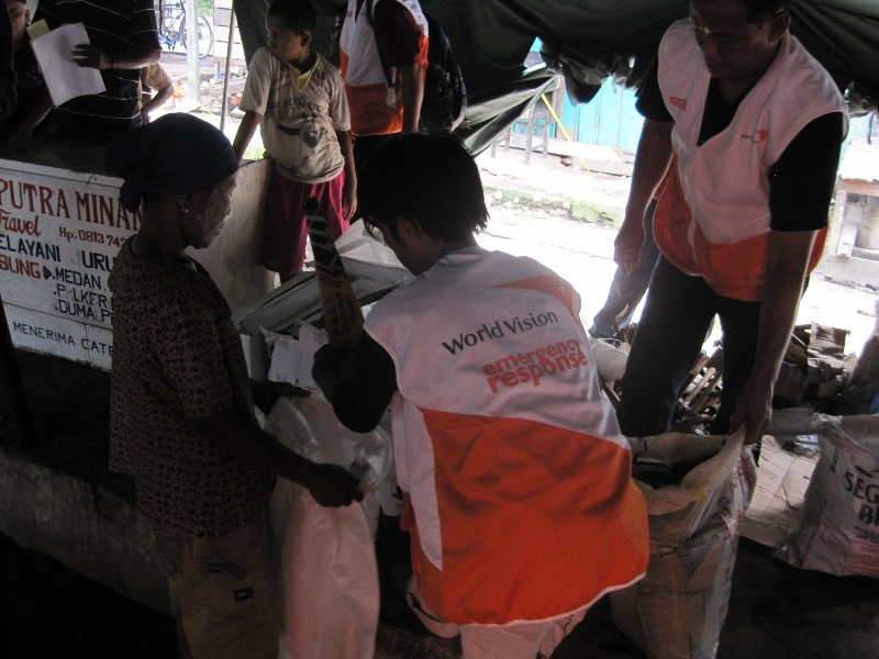 A World Vision relief effort. Credit: World Vision via Wikimedia Commons.