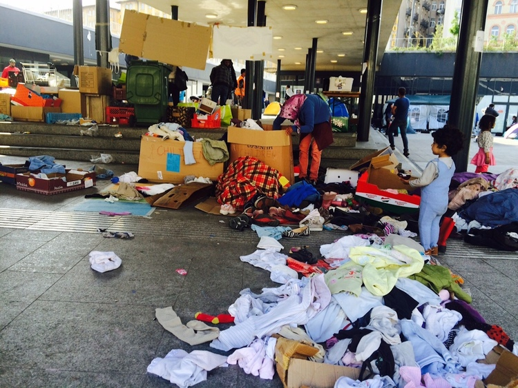 Syrian refugees at a train station in Budapest, Hungary. Credit: JDC.