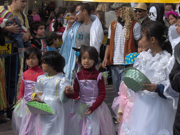 Indian Bnei Menashe members celebrate Purim in Israel. Credit: Wikimedia Commons.