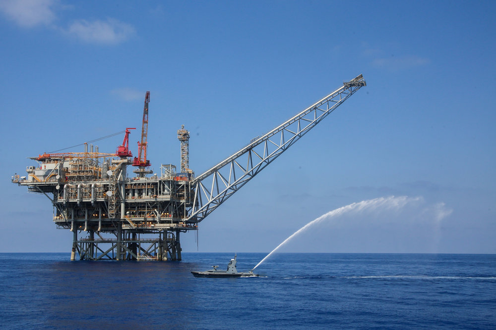 A gas processing rig near the southern Israeli coast of Ashkelon Sept. 2, 2015. Credit: Flash90.