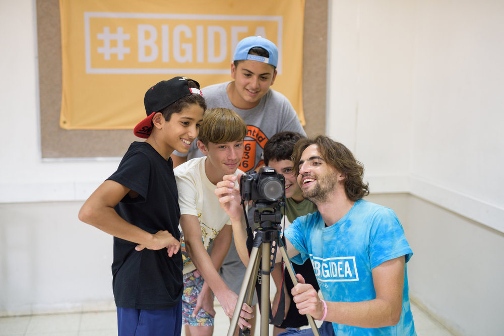 Photography instruction at a Big Idea camp in Israel. Credit: Big Idea.