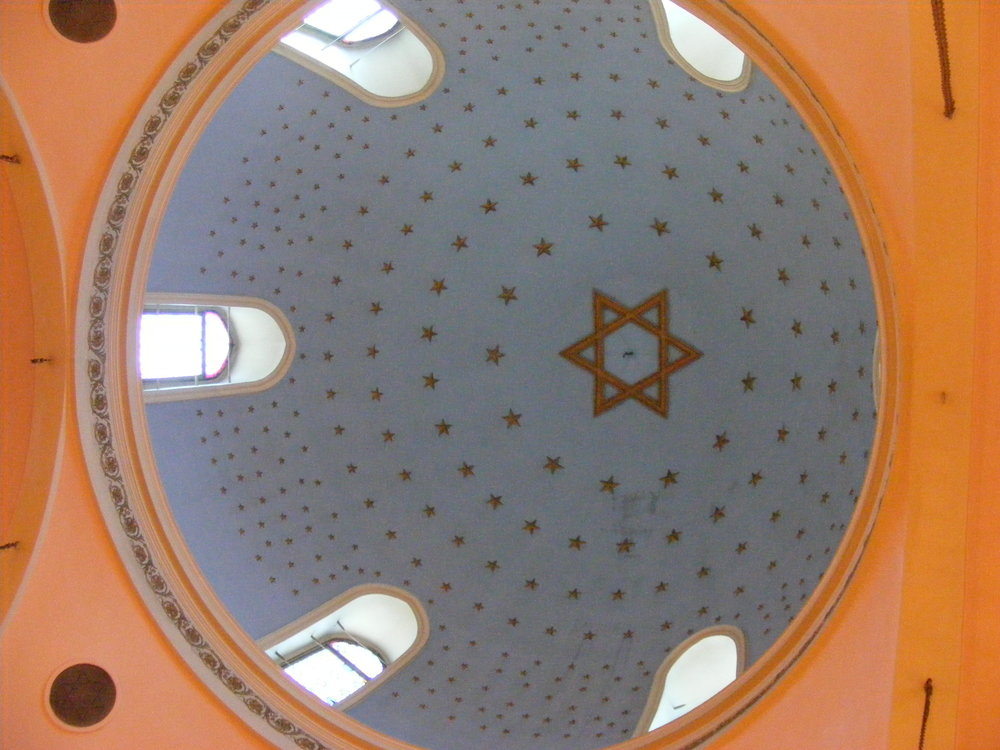 The dome of the Ashkenazi Synagogue in Istanbul, Turkey. Credit: Alaexis via Wikimedia Commons.
