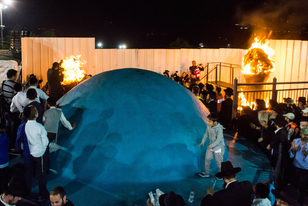 Lag B'Omer festivities at Meron—home of the tomb of Rabbi Shimon bar Yochai—in northern Israel, May 7, 2015. Credit: Meir Vaknin/Flash90.