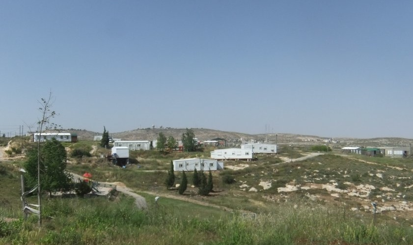 The evicted residents of Judea and Samaria's former Amona community (pictured) will live in the newly constructed settlement of Amichai. Credit: Wikimedia Commons.