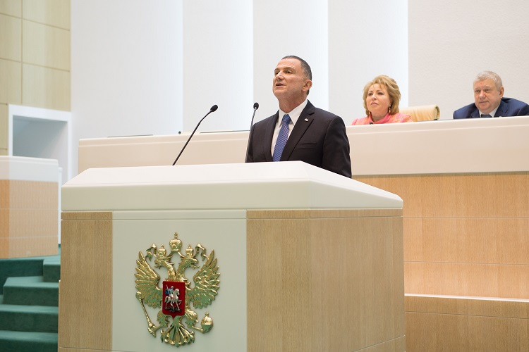 Israeli Knesset Speaker Yuli Edelstein addresses the Russian Federation Council. Credit: GPO.
