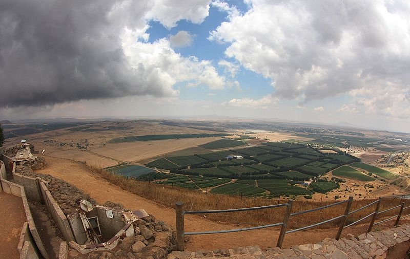 The Syrian side of the Golan Heights. Credit: Sam Mugraby, Photos8.com via Wikimedia Commons.