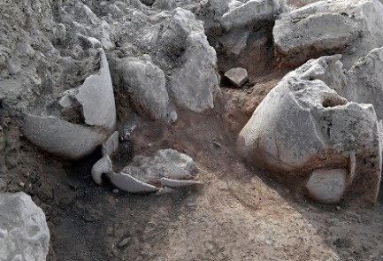 Some of the jugs unearthed at the site of the ancient Jewish city Shiloh. Credit: Shiloh Association.