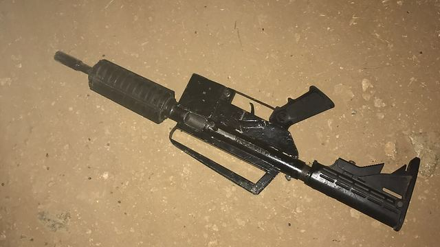The weapon used by Palestinian terrorist Amar Ahmed Khalil to attack Israeli security officers. Credit: Israel Police.