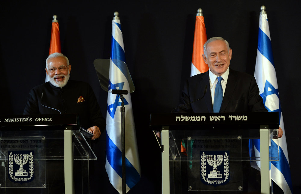 Indian Prime Minister Narendra Modi (left) and Israeli Prime Minister Benjamin Netanyahu in Jerusalem in July. Credit: Haim Zach/GPO.