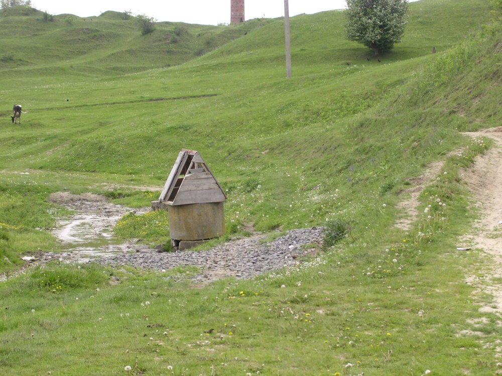 A hand-dug well just outside of Medzhibozh, Ukraine, thought to have been dug by the Baal Shem Tov. (Illustrative.) Credit: Wikimedia Commons.